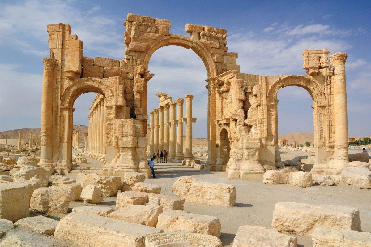 arch-Syria-Grand-Colonnade-Palmyra-ISIS.jpg