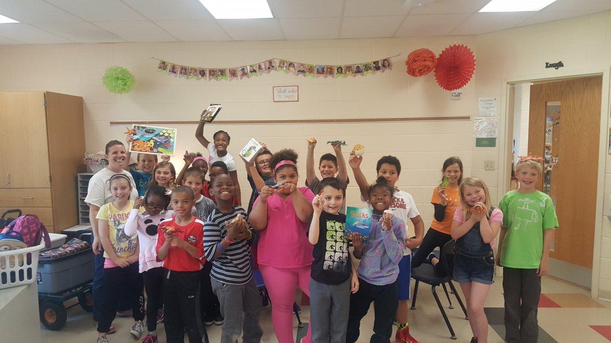 Evendale 3rd grade May 2016.jpg