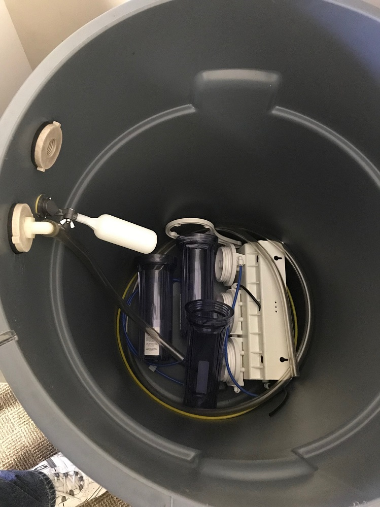 Free Water Storage Can + RO System   REEF2REEF Saltwater and