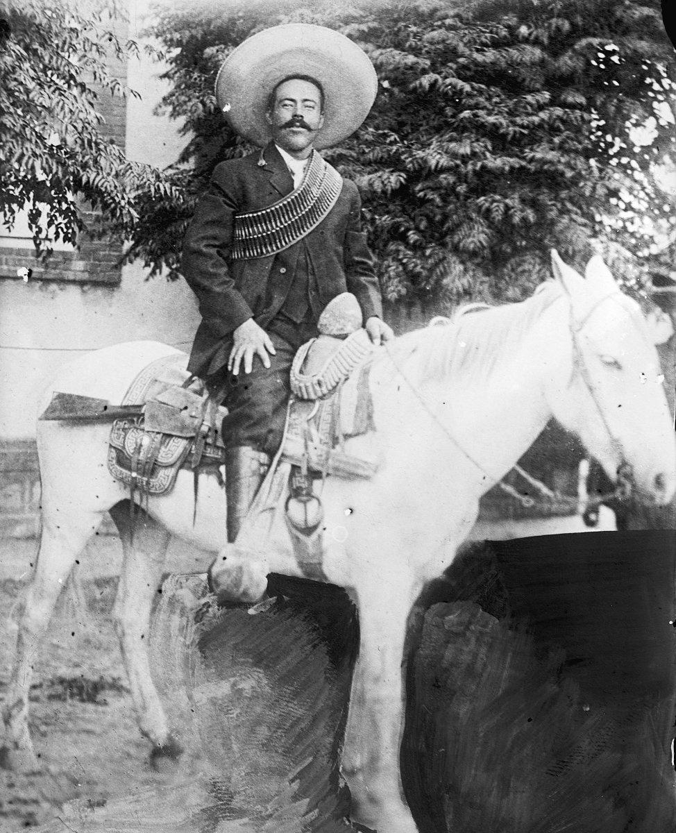 Pancho_villa_horseback.jpg
