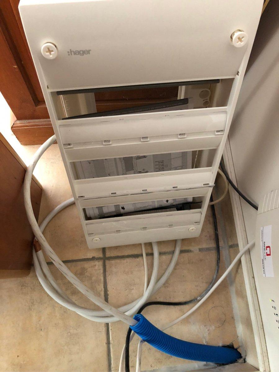 Plug panel and cable entrance.jpeg