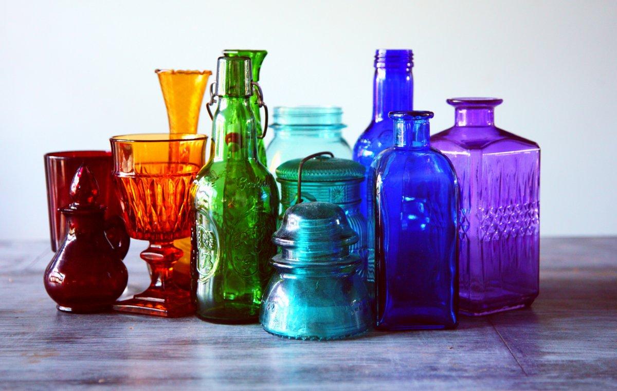 R2Rassorted-bottles-bright-1148450.jpg