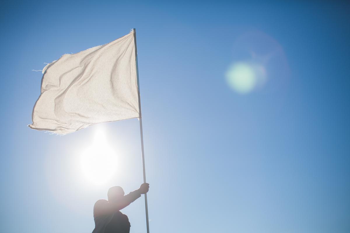 Waving+white+flag.jpg