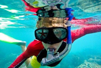 kids_snorkelling_gbr_with_starfish-691x461.jpg